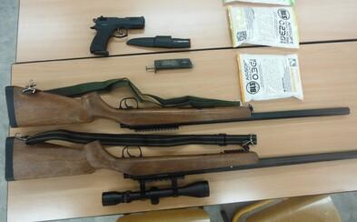 Chlapci v Praze stříleli airsoftovými zbraněmi po autech, prý si je chtěli vyzkoušet