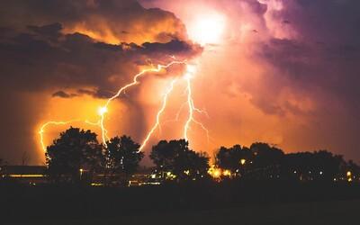 ČHMÚ: Do těchto krajů míří silné bouřky a přívalové deště