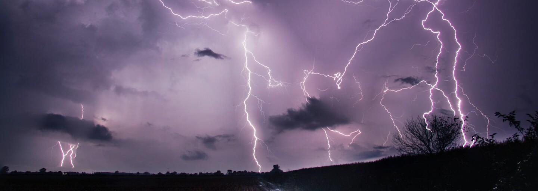 ČHMÚ: Na Moravu a Slezsko se ženou silné bouře s přívalovým deštěm