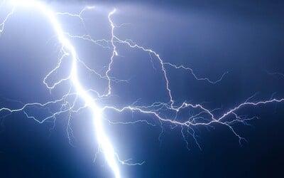 ČHMÚ varuje: Česko zasáhnou další velmi silné bouřky, výstraha platí pro tyto kraje