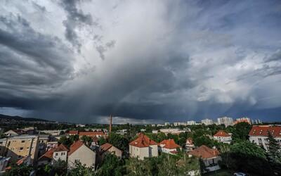 ČHMÚ varuje: Silné deště na Moravě a ve Slezsku zvednou hladinu vodních toků