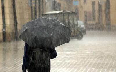 ČHMÚ: Východní Moravě hrozí vydatný déšť. Nevyhne se ani obcím zasaženým tornádem