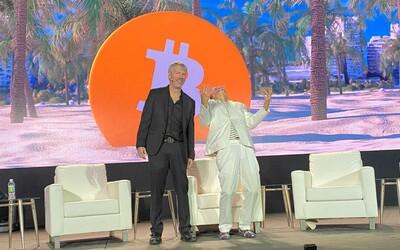 Choď dopekla, Elon, žiadny bitcoin nepredávame. Na kryptomenovej konferencii v Miami sa kričali heslá proti miliardárovi