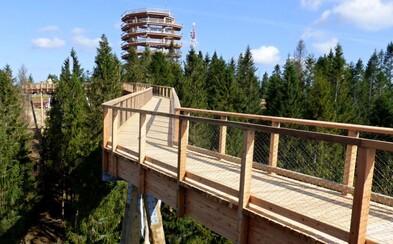 Chodník korunami stromov otvorený! Slovenský unikát ponúka okrem parádnych výhľadov aj dávku adrenalínu