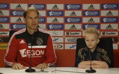 Chorému chlapcovi sa splnil sen. Podpísal zmluvu a zahral si za Ajax Amsterdam