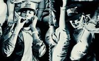 Chris Brown, Tyga a ScHoolboy Q si užívajú bitches a veľa trávy