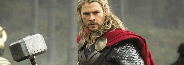 Chris Hemsworth se nechtěl předvádět. Přesto zapózoval s bicepsem a oznámil ukončení natáčení nového Thora