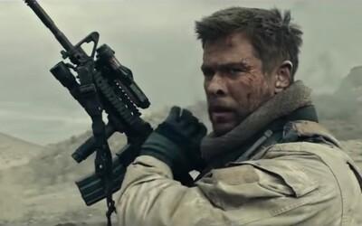 Chris Hemsworth opláca Afganistanu útoky z 11. septembra vo výbušnom a emocionálnom traileri pre vojnovú drámu 12 Strong