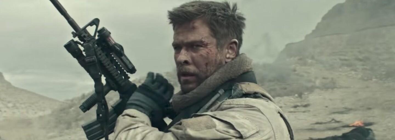 Chris Hemsworth velí v drsnej vojnovej dráme 12 Strong špeciálnej jednotke bojujúcej proti Talibanu po útokoch z 11. septembra