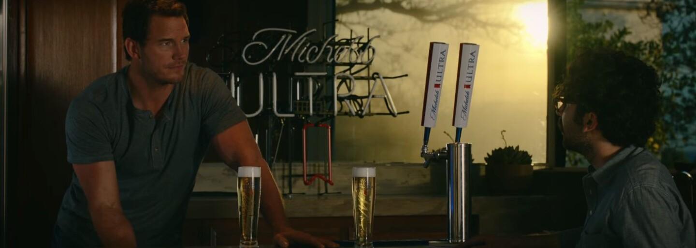Chris Pratt dobre vie, že posilňovanie a pivo sú dokonalou kombináciou. Odviazaná reklama k očakávanému Super Bowl vás bezpochyby pobaví