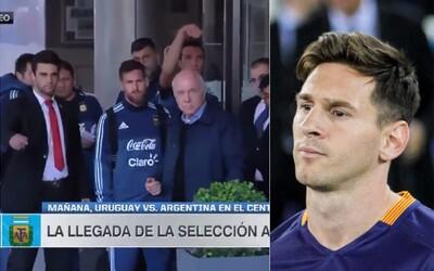 Chtěl se jen dostat ke svému idolu, ale ochranka ho odstrčila. Messi si toho však všiml a malému fanouškovi splnil sen