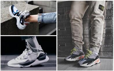 Chunky sneakers aktuálne ovládajú svet obuvi. Po ktorých sa oplatí siahnuť?