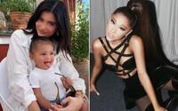 Chystají Ariana Grande a Kylie Jenner společnou skladbu? Modelka pobláznila svět písničkou, kterou zpívá svému dítěti