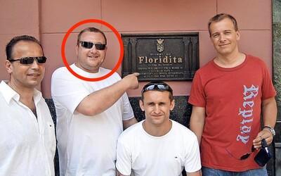Chytili mafiána známeho aj z fotky s Borisom Kollárom a Piťom: Bude veselo, upozorňuje bezpečnostný analytik