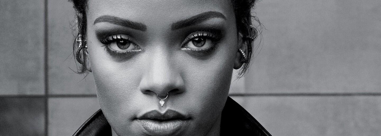 Čiernobiele zábery plné melanchólie a jemnosti s princeznou Barbadosu, ktorá vás dostane aj oblečená