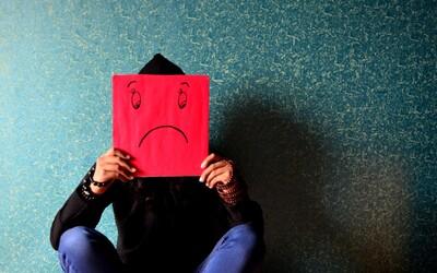 Čím dál více mladých lidí trpí depresí a úzkostmi. Jsou na ně kladeny stále náročnější požadavky a jsou vystavováni tlaku