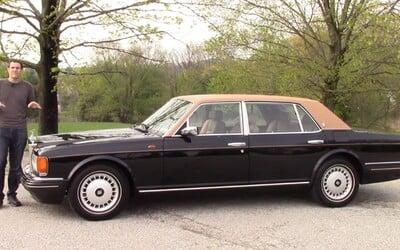 Čím se mohl pochlubit Rolls-Royce z roku 1996 za 300 000 dolarů? Mnohá dnešní auta by mu mohla závidět vymoženosti i míru komfortu