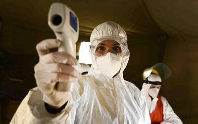 Čína tretí deň v rade nemá nové potvrdené prípady koronavírusu z vnútra krajiny