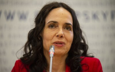 Čína uvalila sankcie na piatich europoslancov vrátane Slovenky Miriam Lexmann