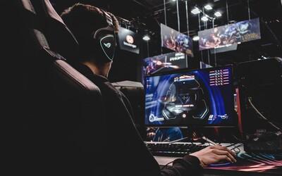 Číňan minul na vylepšenia postavy v počítačovej hre 1,27 milióna eur. Požičal ju kamošovi, ten ju predal za necelých 500