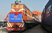 Číňania vypravili prvý vlak z Pekingu až do britského Londýna. Preje 12-tisíc kilometrov a privezie tovar v hodnote takmer 5 miliónov eur