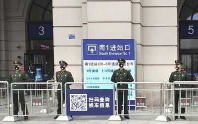 Čínske mesto Wu-Chan je uzavreté, ľudia vykúpili jedlo aj ochranné rúška. Vyzerá to tam, akoby mal prísť koniec sveta