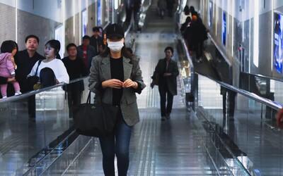 Čínskému studentovi nedovolili vstup do USA, protože měl oblečenou neprůstřelnou vestu