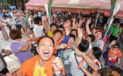 Čínsky miliardár zaplatil 13-tisíc zamestnancom dovolenku v Thajsku ako odmenu za odvedenú prácu!