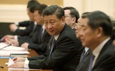 """Jméno čínského prezidenta Facebook omylem přeložil jako """"Mr. Shithole"""". Společnost se musela omluvit"""