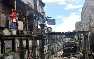 Cintorín v Manile sa stal domovom pre tisícky ľudí