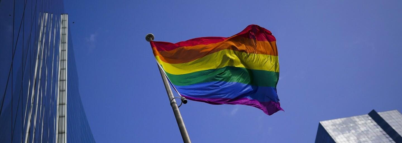 """Cirkev nemôže požehnať partnerstvá homosexuálov. Ide o """"voľbu"""" a """"hriech"""", tvrdí Vatikán"""
