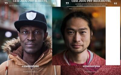 Cizinci boří negativní předsudky o Češích. Našli si nový domov v Praze a oceňují naši přátelskost či ochotu pomáhat