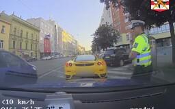 Cizinec ve Ferrari byl v Brně zastaven hlídkou za přestupek. Ukázalo se, že je hledaný po celé Evropě