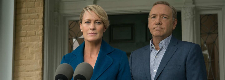 Claire Underwood, žena prezidenta Franka Underwooda, má pre obyvateľov USA pripravený odkaz. Získa ním manželovi potencionálnych voličov?