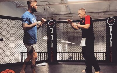 Člen siene slávy UFC po kope Jean-Claude Van Damma do hlavy jeho zverenca:  Bol by skvelým MMA bojovníkom