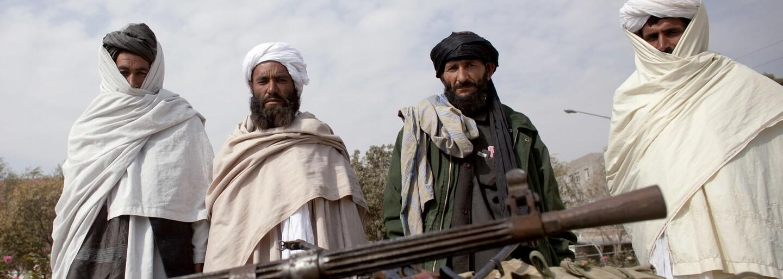 Členové Tálibánu se mezi sebou porvali přímo v prezidentském paláci v Kábulu, píše BBC