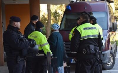 Členové Vězeňské služby nebo zdravotnice. Víme, kdo byli zastřelení lidé ve fakultní nemocnici v Ostravě