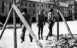 Členovia Gestapa väzňom vytrhávali nechty. 21-ročného muža pri výsluchu vraj týrali odrezanou hlavou jeho matky