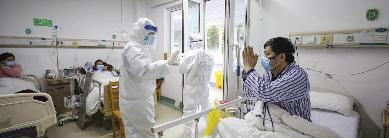 Co dělat, když koronavirus zasáhne Česko: Příznaky, jak se chránit, karanténa i zásoby léků, jídla a vody