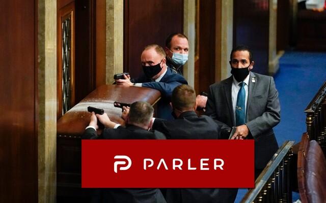 Co je Parler? Sociální síť, na níž chtějí neonacisté vystřílet židy, popravit viceprezidenta a vložit veškerou moc do rukou Trumpa