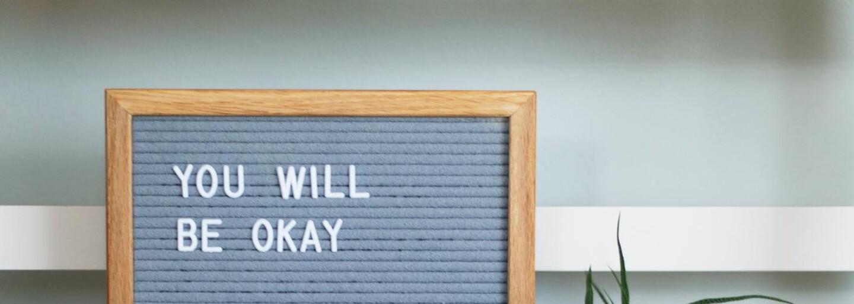 Co je to toxická pozitivita a proč ti může do života přinést trápení