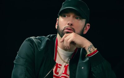 Čo keby som ti povedal, že som gej? Eminem údajne chystá projekt s raperom, ktorý je jeho zatiaľ posledným objavom