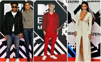 Co měly oblečené celebrity na udílení cen MTV EMA 2015? Dorazil Justin Bieber, Pharrell nebo Ed Sheeran