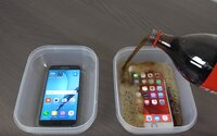 Coca-Cola, minusové teploty a i horká voda. Vydržel iPhone 6s Plus a Galaxy S7 edge extrémní text odolnosti?