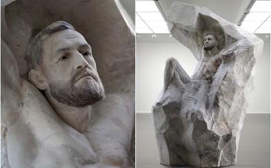 Conor McGregor dostal k 30. narozeninám mramorovou sochu za 1,5 milionu korun