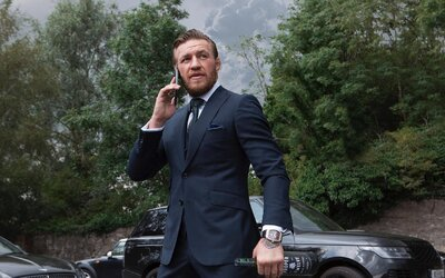 Conor McGregor na Instagrame hrdo vyhlásil, že je miliardár. Podľa všetkého si však vymýšľa