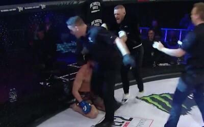 Conor McGregor napadl rozhodčího na akci, kam přišel podpořit svého kamaráda. Ve velké radosti nedokázal ovládat emoce