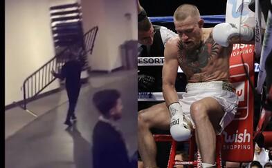 Conor McGregor napadol v New Yorku svojho konkurenta z UFC. Kovovú bariéru hádzal po vozidle a konflikt už vyšetruje aj polícia