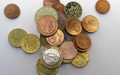 Čoskoro možno nebudeš v hotovosti platiť jedno- a dvojcentovkami. Platby do päť centov sa budú zaokrúhľovať