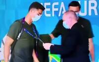 Cristiana Ronalda nespoznal ochrankár na štadióne v Budapešti. Musel mu ukázať identifikáciu, aby ho pustil ďalej